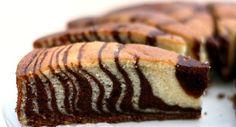 Bolo Zebra  Link: http://www.receitadodia.com/receita-de-bolo-zebra/