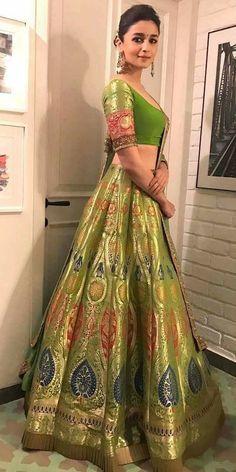 Best of Bollywood fashion - major inspiration for your bollywood lehenga. Fab filmi brides & their onscreen wedding lehengas to inspire your designer dream. Indian Lehenga, Bollywood Lehenga, Bollywood Outfits, Bollywood Fashion, Lehenga Choli, Green Lehenga, Alia Bhatt Lehenga, Sabyasachi, Brocade Lehenga