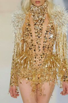 ☼ Cosmic Couture ☽ Celestial Costumes ☼ Alexandre Vauthier Haute Couture F/W 2012 Couture Fashion, Runway Fashion, Fashion Show, High Fashion, Alexandre Vauthier, Gold Fashion, Fashion Details, Crystal Fashion, Fashion Images