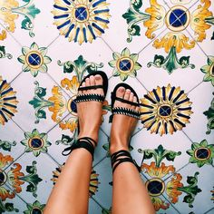 Love the tile print and colors