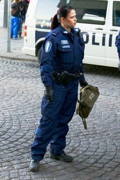 FINLAND  Female Police Officer