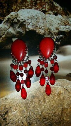 Rojo pasión #aretes #rojo #cristal #fashion #rating beadsflor