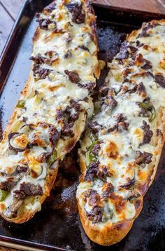 Philly Cheese Steak Cheesy Bread with just a few ingredients is the taste of Philly for a crowd! Philly Cheese Steak Cheesy Bread with just a few ingredients is the taste of Philly for a crowd! Gourmet Recipes, Beef Recipes, Appetizer Recipes, Cooking Recipes, Healthy Recipes, Bread Appetizers, Chicken Recipes, Cooking Ideas, Cooking Fish