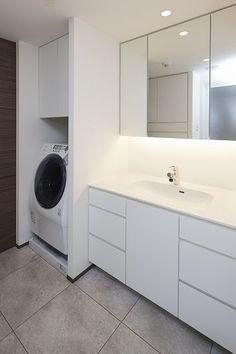 Laundry Closet, Laundry In Bathroom, Washroom, Japanese Style Bathroom, Bad Styling, Narrow Bathroom, Toilet Room, Master Bath Remodel, Room Tiles