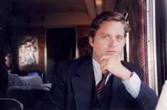 Zach Galifanakis without a beard? This is unnatural. It doesn't even look like him