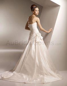 Taffeta Sweetheart Delicately Pleated Bodice A-line Wedding Dress