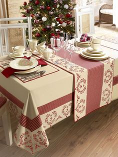Angelica Home & Country Co Curtain Designs, Deco Table, Table Covers, Soft Furnishings, Table Linens, Diy And Crafts, Table Settings, Sweet Home, Design Case