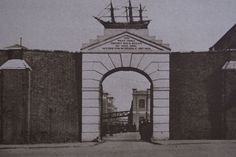 """Entrance to the West India Docks in Photo from Arthur St John Adcock's """"Wonderful London"""" London Pictures, London Photos, Vintage London, Old London, London Docklands, East End London, Isle Of Dogs, London History, Greater London"""