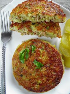 Potato pancakes with minced meat and zucchini Brunch, Mediterranean Diet Recipes, Polish Recipes, Foods With Gluten, Appetizers For Party, Salmon Burgers, Side Dishes, Food And Drink, Cooking Recipes