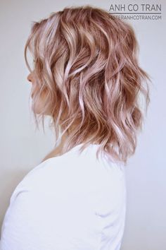 Short Rose Gold Hair, Rose Gold Hair Color, Short Pink, Hair Rose, Blonde Short Hair, Rosé Blond, Hair Cuts Colors Styles, Short Hair Colors,