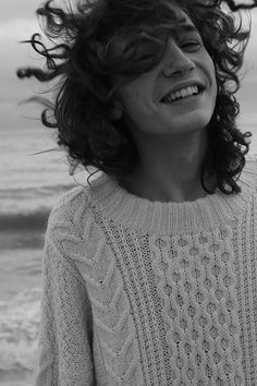 ❁ Matthew Clavane So cute, natural and charming! This sweet, sensual smile and the flyaway hair... The sweater and the sea... Very very beautiful!