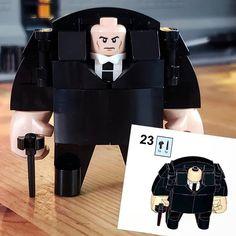 Kingpin LEGO Build by @coosey_goosey_bricks. Double-tap Follow to get daily LEGO space themed MOCs Inspiration & Ideas @brickinspiredspace @brickinspiredspace @brickinspiredspace #legostagram #legominifigures #afol #legocity #legophotography #legoaddict #legolover #legobuilder #legogram #legocreator #lego #legoinstagram #legodaily #legophotographer #legofan #legophoto #legos #legoworld #legolove #legominifigure #legominifigureseries #legocollection #legobox #legoart #legominifigs #legostarwars # Lego Custom Minifigures, Lego Minifigs, Legos, Bloc Lego, Lego Creative, Lego Sculptures, Lego Display, Lego Pictures, Amazing Lego Creations