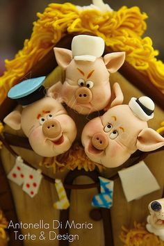 Three Little Pigs Cake