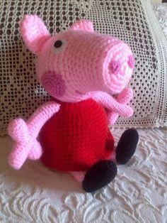 La famosisíma nueva amigo de los niños, les encanta, ahora en amigurumi. Ya no tienes escusa para no regalar a Peppa Pig tejiéndola tu mismo en crochet.