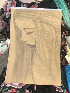 Wenn ich schon nicht richtig laufen kann -zeichnen geht immer.  Diesmal war @valrineyaa fällig. ❤️😁❤️ #draw #drawing #pencil #pencilart #pencildraw #paper #a4 #loveit #daughter