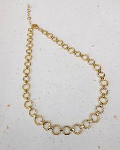 18k gold plated circle chain  Necklace. FREE SHIPPING 18k Gold, Jewelery, Plating, Chokers, Perfume, Free Shipping, Chain, Handmade, Beautiful