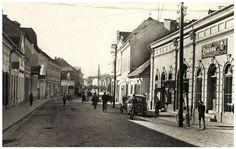 Csikszereda:Fő-utca,jobbra az Europa szálloda és étterem,1943. Utca