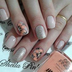 No hay texto alternativo automático disponible. Manicure And Pedicure, Toe Nails, Nail Designs, Hair Beauty, Make Up, Nail Art, Nail Jewels, Art Nails, Accent Nails