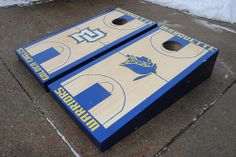 Side View of Marquette Warriors basketball Custom bag toss set