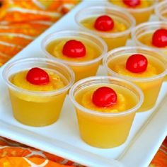 Upside Down Pineapple Cake Jellow Shot. 1 cup canned pineapple juice 1 tablespoon sugar (optional) 1.5 packets Knox unflavored gelatin 1 cup cake flavored vodka (or whipped vodka or vanilla) Maraschino cherries Pineapple. #Drinks #Liqueur