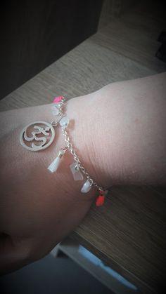 Hey, j'ai trouvé ce super article sur Etsy, chez https://www.etsy.com/fr/listing/614428830/bracelet-femme-a-breloques-pierre-de