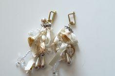 cintas y perlas by Anetka de la Lastra