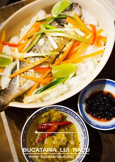 A simple recipe of steamed sea bass. Steamed sea bass with soy and sesame oil, garnished with steamed veg and lime, served with Jasmine rice and chili sauce Jasmine Rice, Sea Bass, Sesame Oil, Chili, Seafood, Grilling, Bacon, Easy Meals, Lime