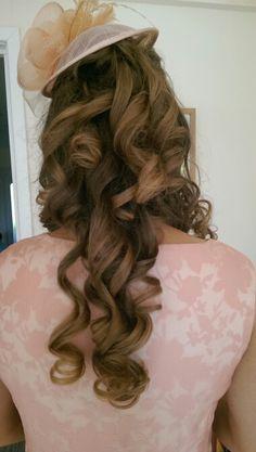 Ascot hair