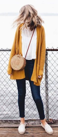 casual style addict / cardigan + white top + bag + skinnies