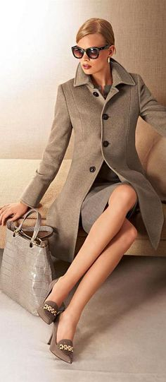 Women's career wear Love this look. Love the coat Office Fashion, Work Fashion, Moda Outfits, Moda Casual, Career Wear, Professional Attire, Dress For Success, Business Attire, Work Attire