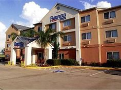 Texas City (TX) Fairfield Inn Texas City United States, North America Set in a prime location of Texas City (TX), Fairfield Inn Texas City puts everything the city has to offer just outside your doorstep. Offering a variety of facilities and services, the hotel provides all you need for a good night's sleep. 24-hour front desk, express check-in/check-out, business center, family room, newspapers are on the list of things guests can enjoy. Each guestroom is elegantly furnished ...