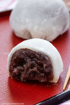 I wonder if you could make this more kyoto style? Daifuku Mochi | Easy Japanese Recipes at JustOneCookbook.com
