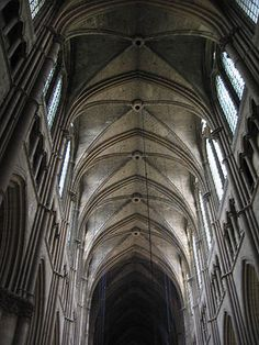 Rib vaulting in the nave of Reims Cathedral (begun French Gothic Architecture, Church Architecture, Architecture Details, Reims Cathedral, Cathedral Church, Ribbed Vault, Gothic Windows, Gothic Buildings, Architectural Features
