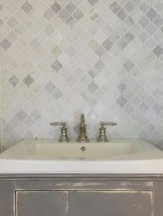 We are in love with the Hampton Carrara Marble Arabesque Mosaic Tile backsplash Grey Bathroom Tiles, Diy Bathroom Vanity, Tile Bedroom, Bathroom Layout, Bath Vanities, White Bathroom, Half Painted Walls, Mosaic Backsplash, Backsplash Ideas