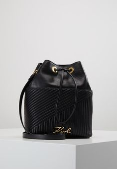 74d66e96acaf KARL LAGERFELD SIGNATURE QUILTED BUCKET - Across body bag - black -  Zalando.co.