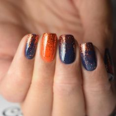On average, the finger nails grow from 3 to millimeters per month. If it is difficult to change their growth rate, however, it is possible to cheat on their appearance and length through false nails. Winter Nail Art, Winter Nails, Fall Gel Nails, Spring Nails, Summer Nails, Pretty Nails, Cute Nails, Navy Nails, Navy Nail Art