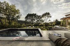 VILLA CORMORAN (Pernes Les Fontaines) - Mooie gelijkvloerse villa met privé zwembad en aangelegde tuin, gelegen aan de rand van Pernes-les-Fontaines. Deze villa beschikt over mooie, modern ingerichte ruimtes, ideaal voor een geslaagde vakantie met familie of onder vrienden. Met haar 3 slaapkamers en 2 badkamers, is deze villa geschikt voor 6 personen.