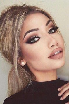 Eye Makeup Tips.Smokey Eye Makeup Tips - For a Catchy and Impressive Look Glam Makeup, Formal Makeup, Cute Makeup, Skin Makeup, Fall Eye Makeup, Prom Eye Makeup, Classy Makeup, Sexy Eye Makeup, Casual Makeup