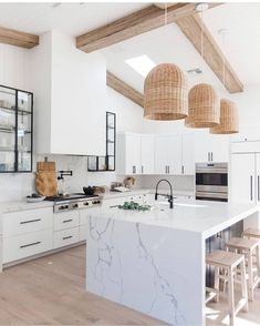 Kitchen decor and kitchen creativity for several of the dream kitchen needs. Modern kitchen ideas at its finest. White Kitchen Decor, Home Decor Kitchen, New Kitchen, Home Kitchens, Small Kitchens, Kitchen Ideas, White Marble Kitchen, Marble Kitchen Countertops, Boho Kitchen