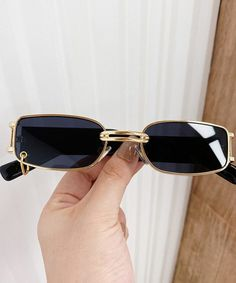 How to Look Expensive on a Budget / Geekglamma How To Look Expensive, Electronic Deadbolt, Budgeting, That Look, Sunglasses, Fashion, Moda, Fashion Styles, Budget Organization
