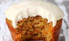 Low in fat and easy to make, these carrot cupcakes are out of this world! - Desserts - My Fork Healthy Carrot Cakes, Carrot Recipes, Muffin Recipes, Cupcake Recipes, Cupcake Cakes, Dessert Recipes, Healthy Foods, Baking Recipes, Dessert Light
