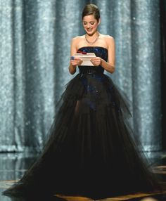 Marion Cotillard wears Haute Couture Dior - Oscars 2009