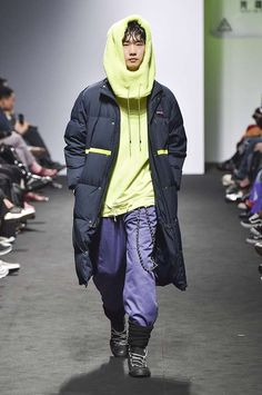 KIMMYJ. Fall-Winter 2017/18 - Seoul Fashion Week - Male Fashion Trends
