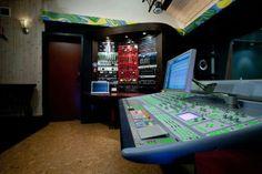 Red Rock Recording Studio - world class, in the Poconos! Studio Room Design, Studio Setup, Home Studio, Studio Gear, Audio Room, Recording Studio, Office Phone, Simple House, Landline Phone