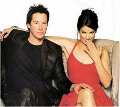 Keanu Reeves e Sandra bullock. Keanu Reeves Sandra Bullock, Keanu Reeves John Wick, Keanu Charles Reeves, Movie Couples, Cute Couples, Sandra Bullock Speed, Sandro, Athletic Models, Little Buddha