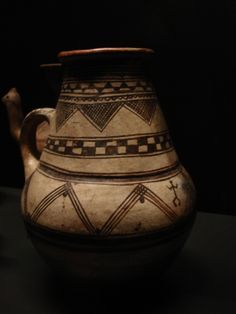 Kabylia Native American Pottery, Prehistory, North Africa, Handmade Pottery, Ceramic Bowls, Pottery Art, Archaeology, Medieval, Culture