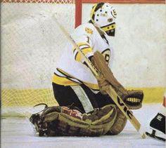 Rogie Vachon Boston Bruins Goalies, Boston Bruins Logo, Goalie Mask, Hockey Goalie, Boston Sports, Cool Masks, Old School, Classic, Gears