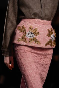 21 Fall 2013 RTW - Details - Fashion Week - Runway, Fashion Shows and Collections - Vogue - Vogue Dusty Rose, Dusty Pink, Pink Love, Pretty In Pink, Brown Fashion, Winter Fashion, High Fashion, Fashion Details, Fashion Design
