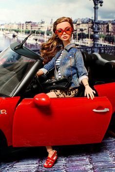 #PoppyParker #Doll Poppy in a car