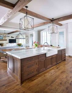 Kitchen renovation - 54 Cute Kitchen Cabinets Ideas That You Never Seen Before – Kitchen renovation Cute Kitchen, Kitchen Redo, Home Decor Kitchen, Kitchen Dining, Wood Kitchen Island, Kitchen With Wood Cabinets, Awesome Kitchen, Farmhouse Kitchen Cabinets, Kitchen With Big Island